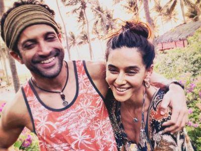 Farhan Akhtar And Shibani Dandekar vacation photo will make you pack your bags