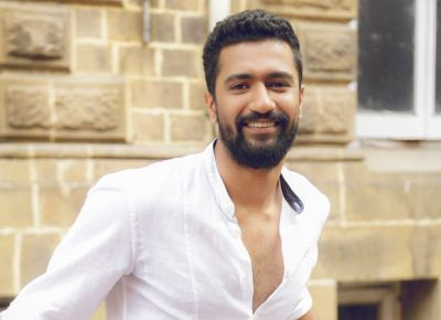 Vicky Kaushal meets the parents of this star at NY
