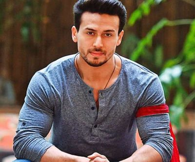 Tiger Shroff approached for this players' biopic
