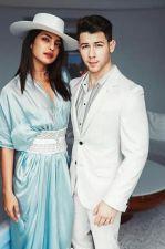 Priyanka Chopra & Nick Jonas give couple goals at Cannes