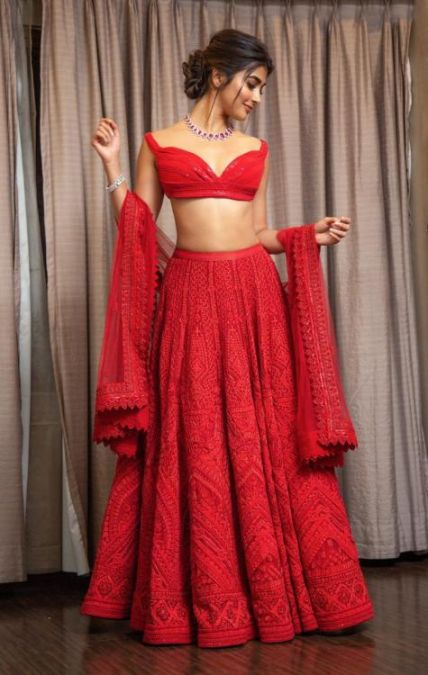 Pooja Hegde looks stunning in lehenga, check it out here