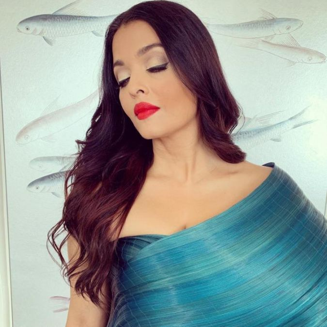 Aishwarya Rai Bachchan's stylist reacts to claims of copying Sonam Kapoor at Cannes