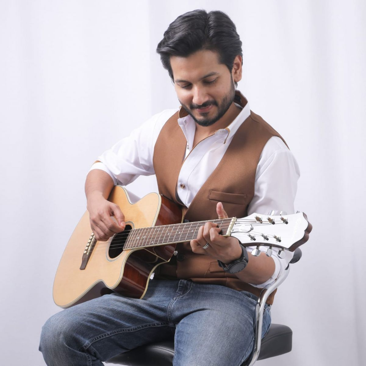 Fahmil Khan's Pathbreaking Journey As A Top Vocalist Will Inspire You!