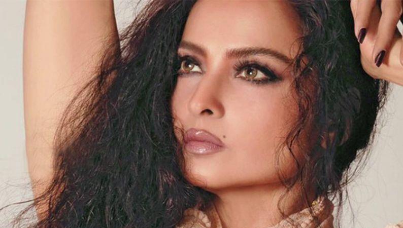 Rekha turns 64 : 10 Rare Hot photos of the Sada Suhagan actress