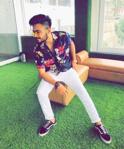 MANIK THATAI : The pro digital media  marketer and an influencer