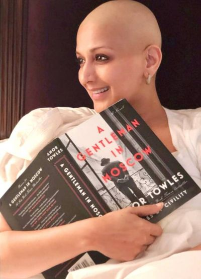 Sonali Bendre appreciated for doing this while suffering from cancer
