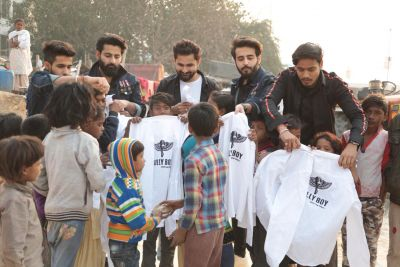 DAGA LABEL- DIVYANSH AND GARVIT REACHES OUT TO UNDERPRIVILEGED KIDS OF JASOLA VIHAR FOR GULLY BOY