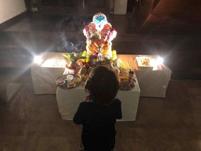 Ganpati 'Pappa', This is what Abram  calls to Lord of Wisdom