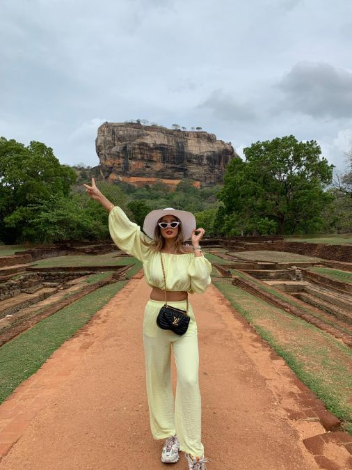 Social Media Influencer Julia Aka 'JuliahOfficial' Talks About Her Blog, Travelling The World And Much More