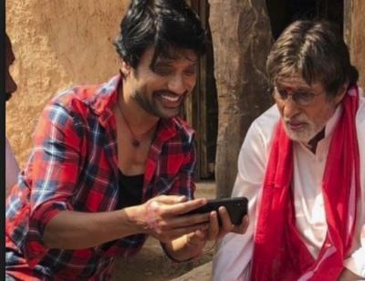Ramya Krishnan to be paired opposite Amitabh Bachchan in Uyarntha Manithan?