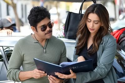 Manmadhudu 2 shooting in Portugal, Nagarjuna shared work out video