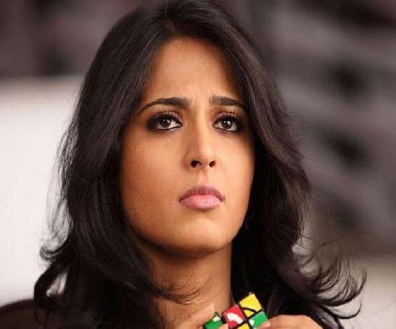 Anushka Shetty rubbishes reports of suffering a leg injury on the sets of Sye Raa