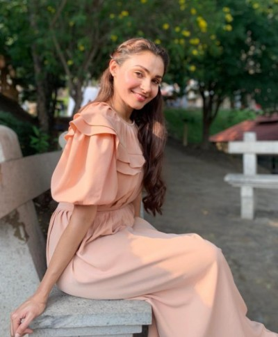WATCH: Andrea Jeremiah shares video from her quarantine routine