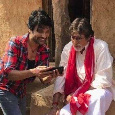 SJ Suryah and Amitabh Bachchan's Uyarntha Manithan has been shelved, read on