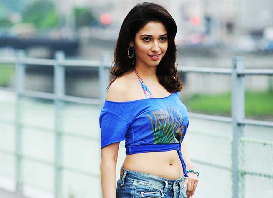 Pic Talk: Tamannah hot look out from Devi 2