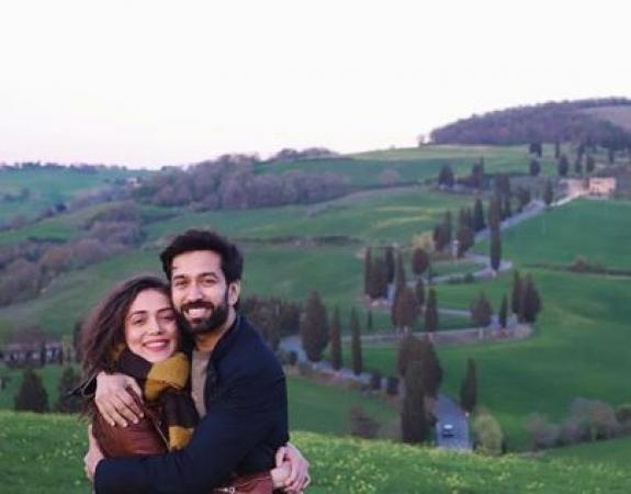 Nakuul Mehta and Jankee Parekh's shares lovely picture from Tuscany