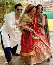 Divyanka Tripathi and her hubby share a series of pics from gala time…check pics inslider