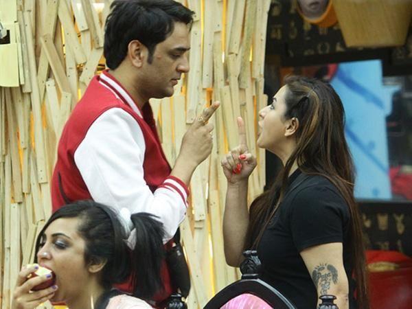 Bigg Boss 12: Shilpa Shinde calls Vikas Gupta mafia of the industry, shares images of defamation case