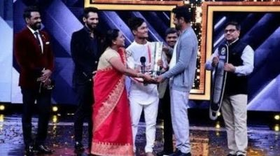 This Dancing superstar grabs prize in his pocket