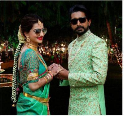 Saath Nibhana Saathiya Star Lovey Sasan with her fiancé Koushik…check clicks inside