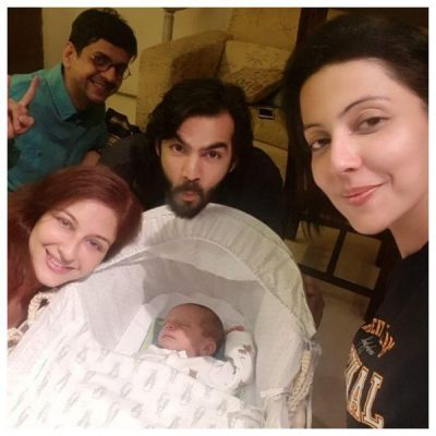 Karan Grover and Poppy Jabbal are the new visitor to Saumya Tandon's newborn, check out the adorable picture