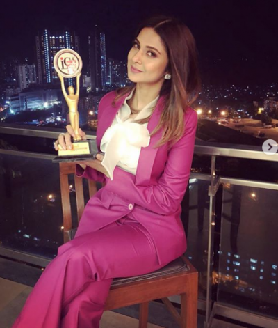 Jennifer awarded as the Most Promising Versatile TV Actress of the Year
