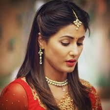 Hina khan singing ik kudi and sawaar loon is just so adorable
