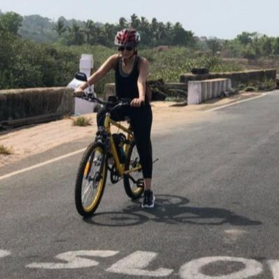 Jennifer Winget goes cycling on the streets of Goa, see pictures