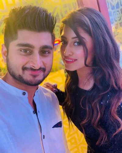 Bigg Boss 12 fame Somi Khan congratulate Deepak Thakur  and herself for this achievement