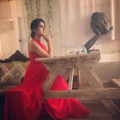 Candid Pic! Jennifer Winget sizzles in her own Cannes 2018 moment