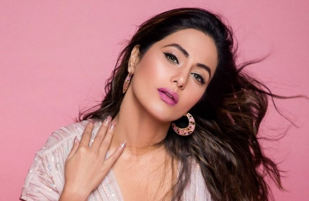 Hina slay in her lavish lavender Cannes 2019 look, check out the picture here