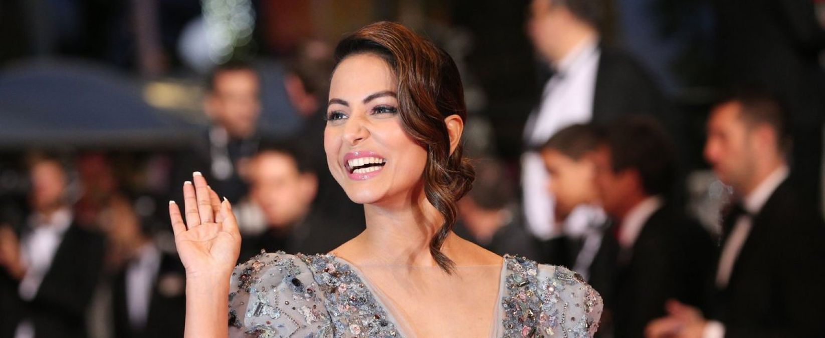 Hina Khan shares a BTS of her journey about Cannes 2019