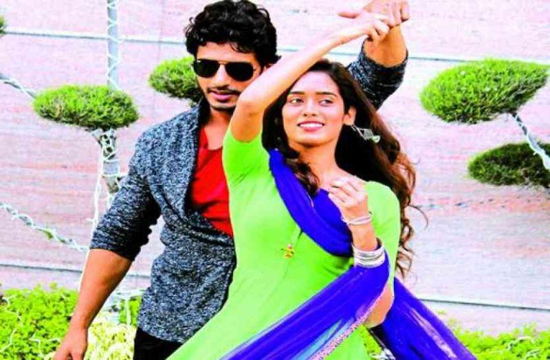 See Pics! Diwali shopping with Neha Saxena and Nitin Goswami