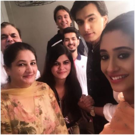 See Pics : Shivangi Joshi celebrates Mohsin Khan's birthday with his family