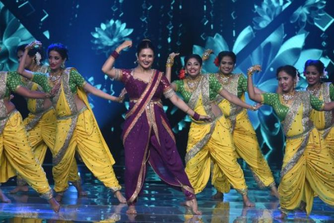 Divyanka Tripathi dances to pay tribute to Deepika Padukone on occasion of Ganesh Chaturthi