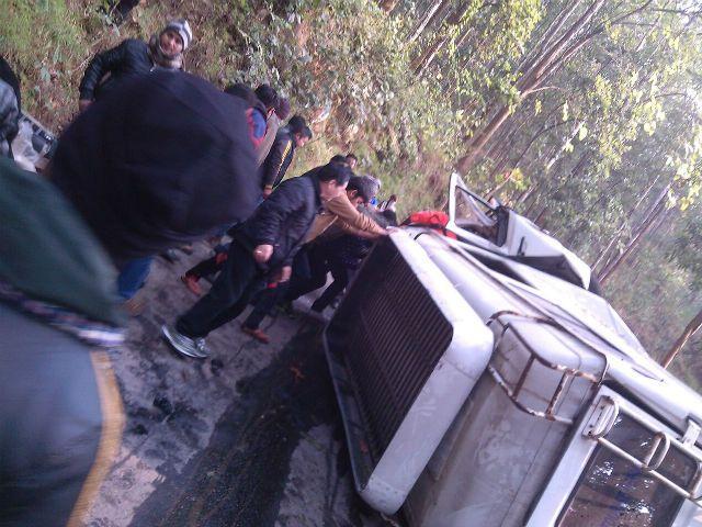 MTV रोडीज 14 की टीम के साथ हुई दुर्घटना,12 सदस्य घायल