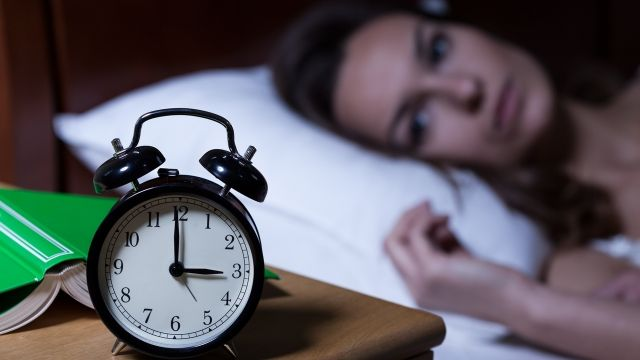 नींद ना आने की समस्या दूर करने के लिए करे ये उपाय