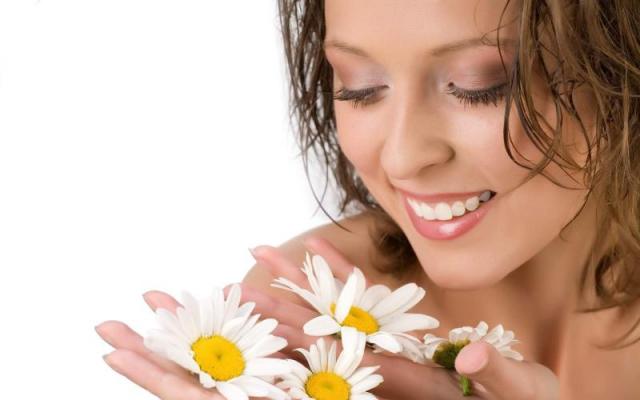 रूखी त्वचा निखारने के लिए करते हैं तरह - तरह के जतन
