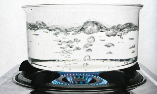 Health Tips : पेट का डॉक्टर है गर्म पानी..