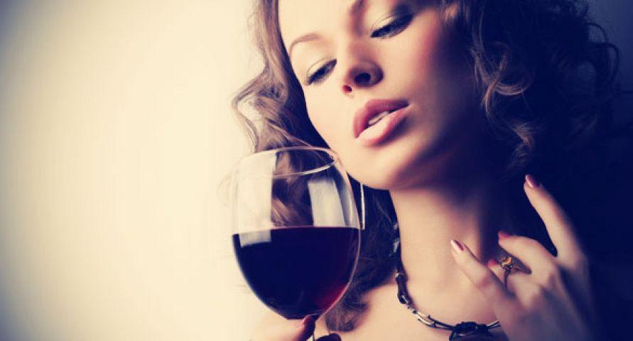 रेड वाइन है बहुत फायदेमंद