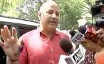 Manish Sisodia attacked with ink outside Lieutenant Governor Najeeb Jung's house
