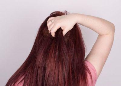 बालों में मेहंदी लगाने के फायदे, बनेंगे सुंदर और शाइनी