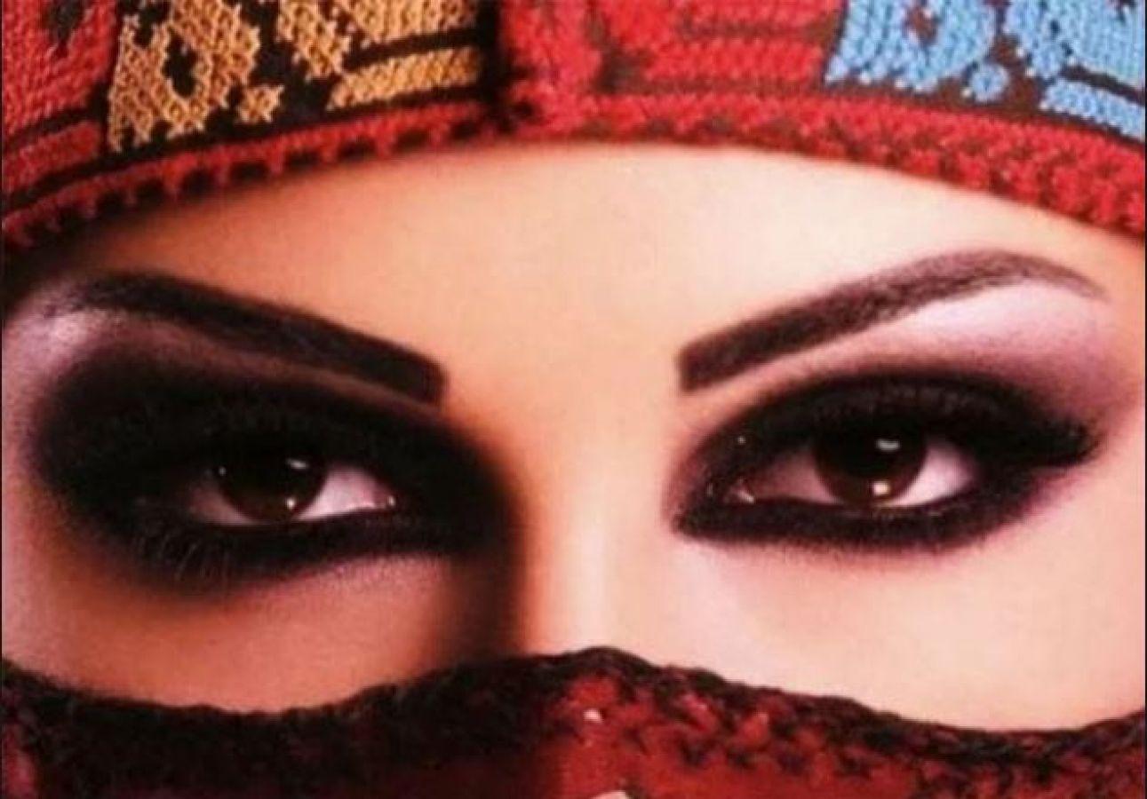 आँखों की सुंदरता बढ़ाने के लिए ...