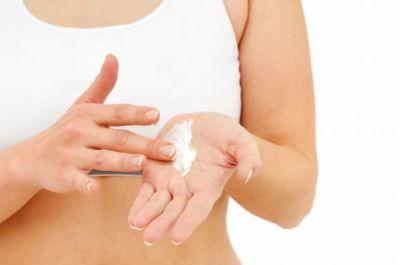 इन कारणों से भी होती है त्वचा रूखी, करें उपाय