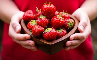 स्ट्रॉबेरी दूर कर सकती है झाइयों की समस्या
