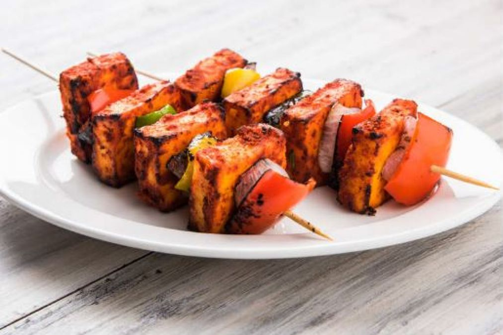 Love Paneer Tikka? Know how many calories contains in a bite