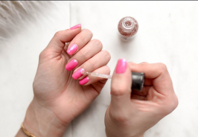 The Perfect Way To Remove Nail Polish and Leave No Stains