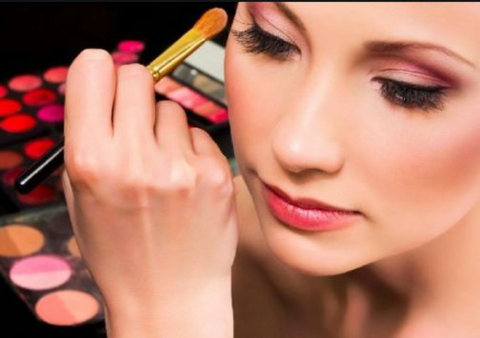 Follow these makeup tips given by experts to look beautiful