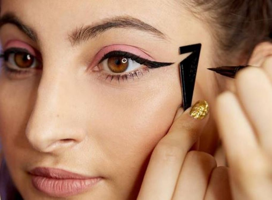 Eyeliner Hacks Every Woman Needs to Know