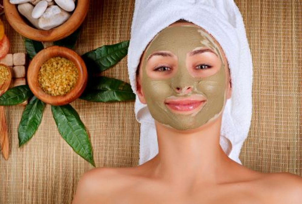 Use Multani Mitti or Fuller's earth for skincare problems